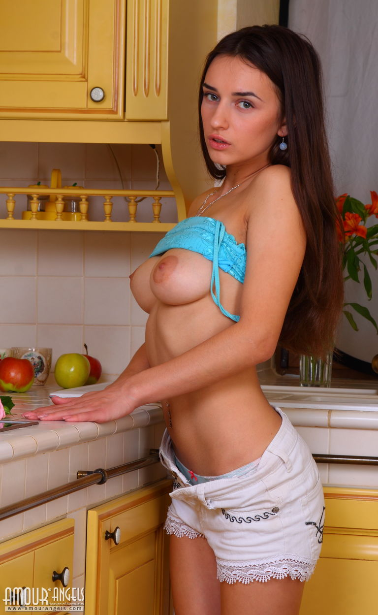Teen Girl Showing Boobs